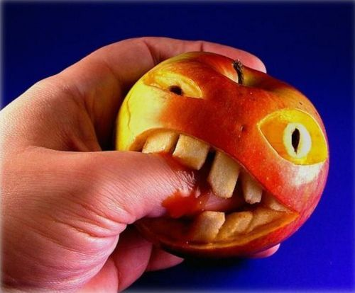 Apple Biting Finger