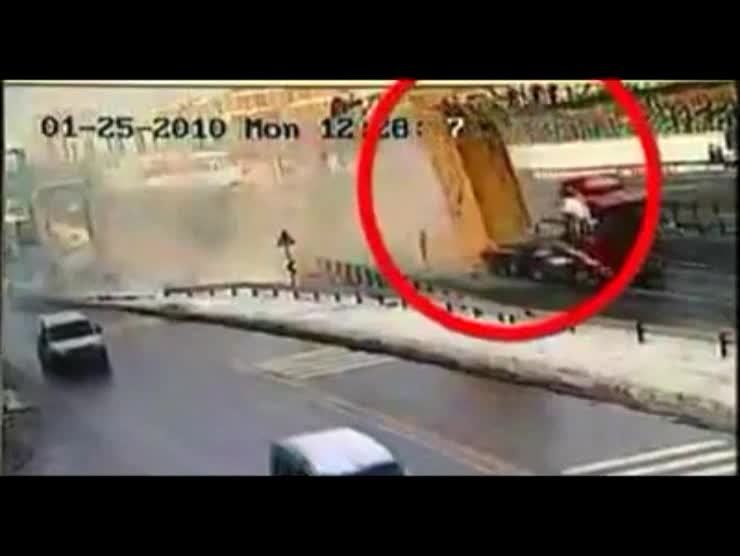 Truck vs Pedestrian Bridge - Nobody Wins